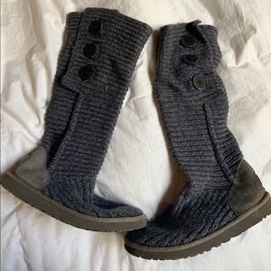 UGGS tall blue buttoned !
